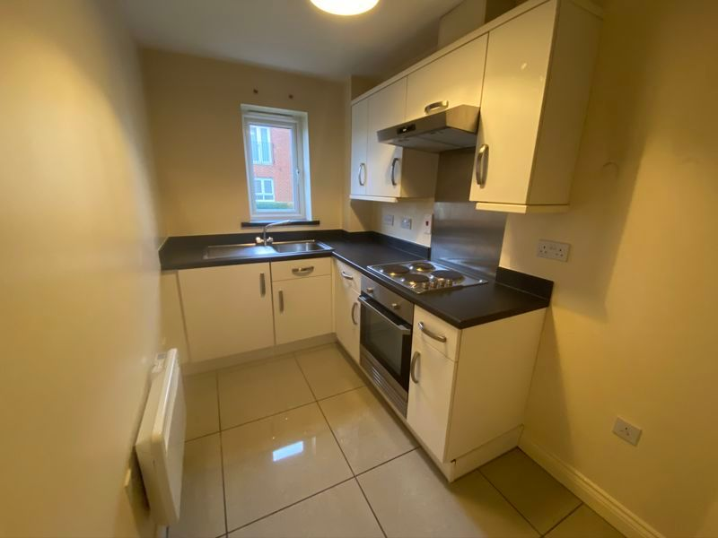 2 bed flat to rent in Mid Water Crescent 2