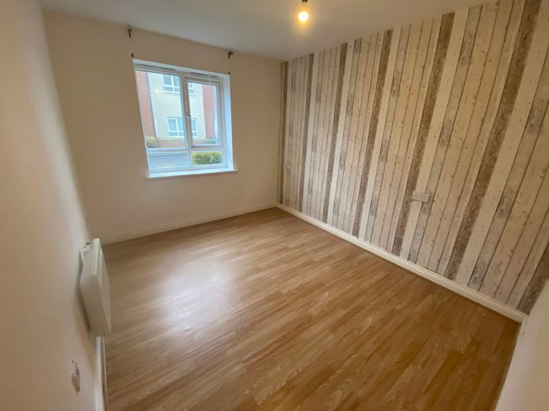 2 bed flat to rent in Mid Water Crescent 4