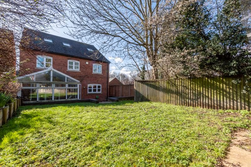 6 bed house for sale in Hawthorn Drive, NN14