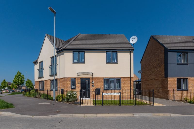 3 bed  for sale in Chamberlain Way  - Property Image 2