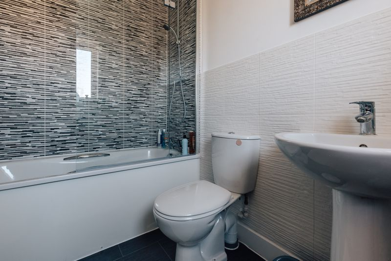 3 bed  for sale in Chamberlain Way  - Property Image 11