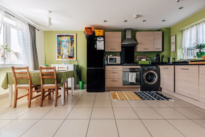 3 bed  for sale in Chamberlain Way  - Property Image 4