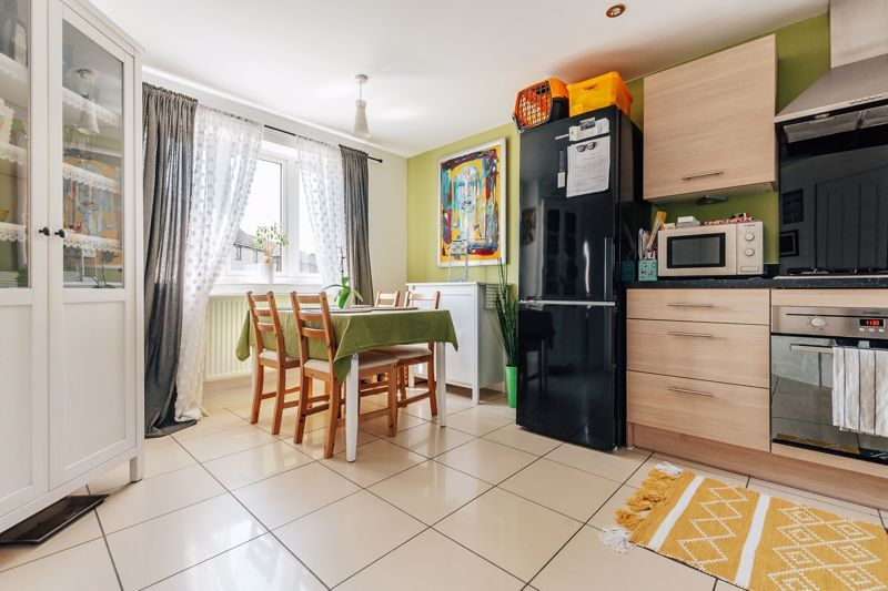 3 bed  for sale in Chamberlain Way 5