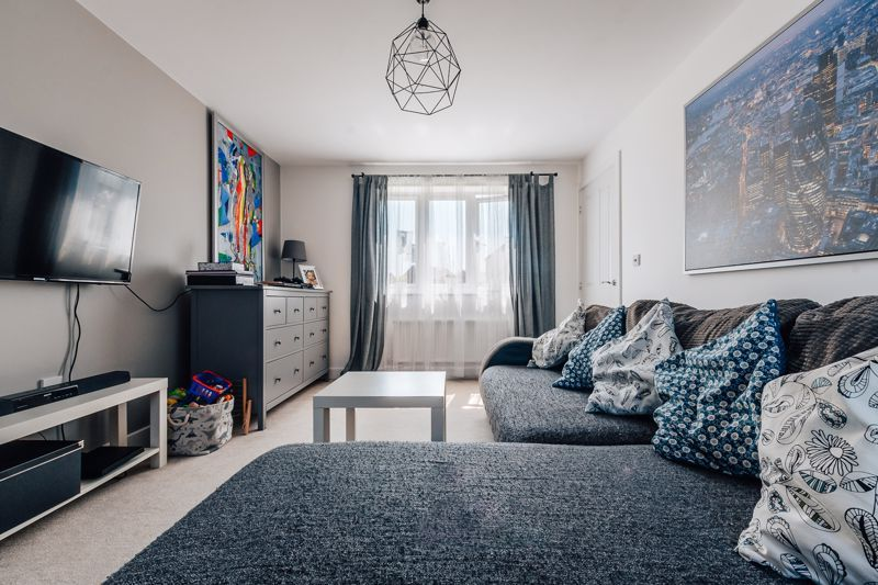 3 bed  for sale in Chamberlain Way  - Property Image 6
