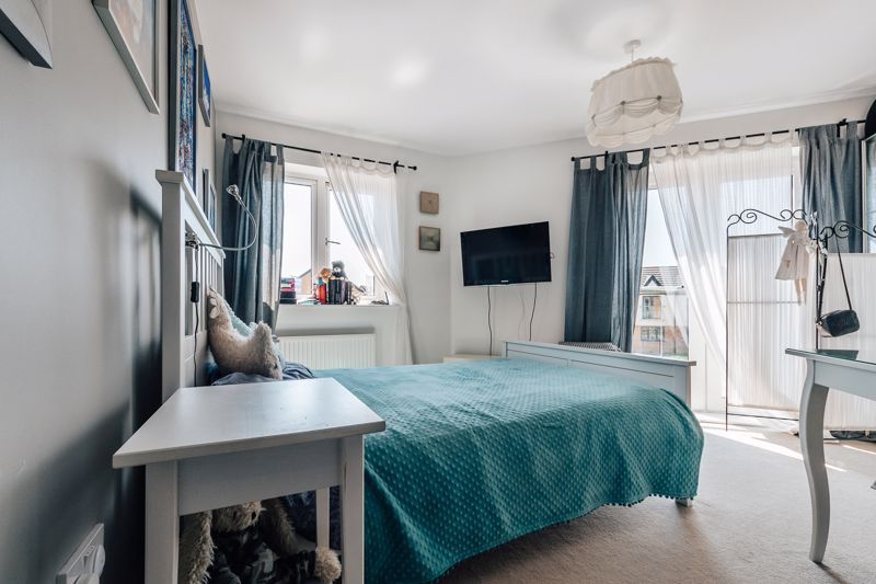 3 bed  for sale in Chamberlain Way 9