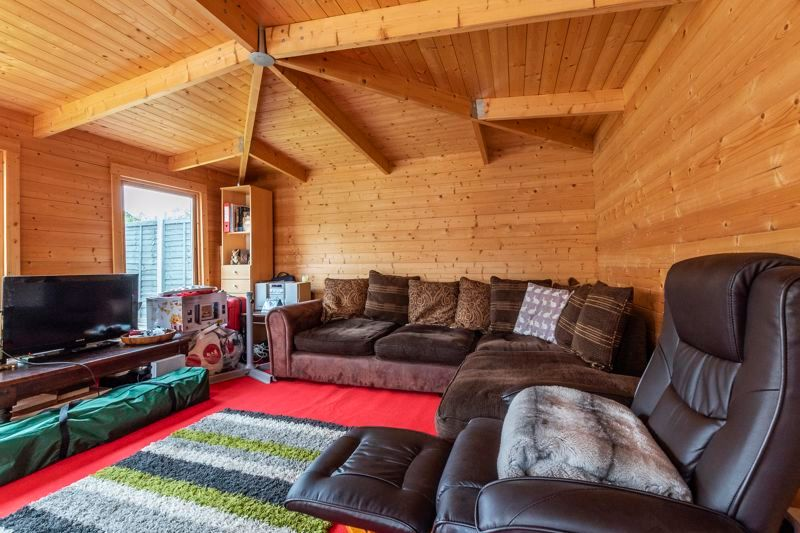 3 bed house for sale in Swallowfield  - Property Image 14