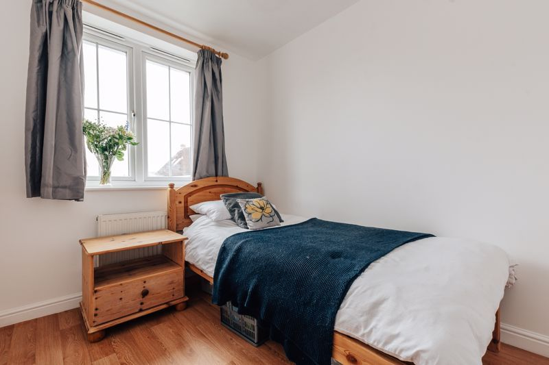 4 bed house for sale in Violet Way  - Property Image 12