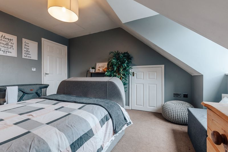 4 bed house for sale in Violet Way  - Property Image 15