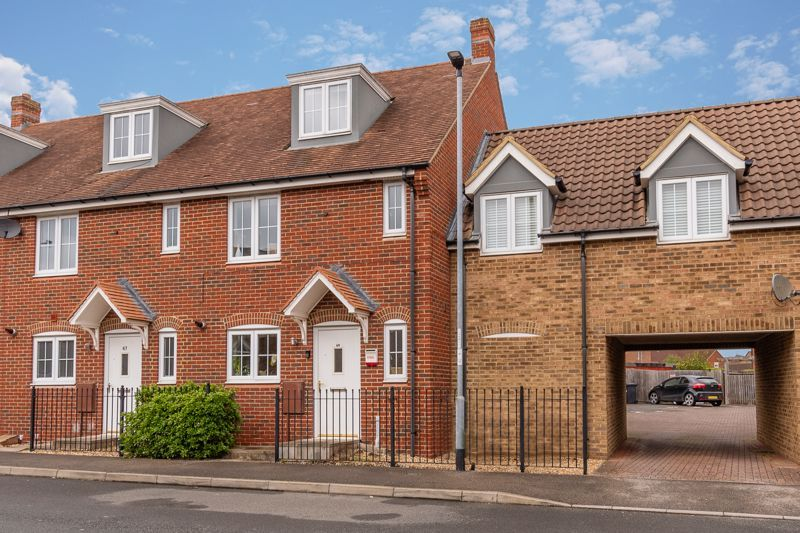 4 bed house for sale in Violet Way 3
