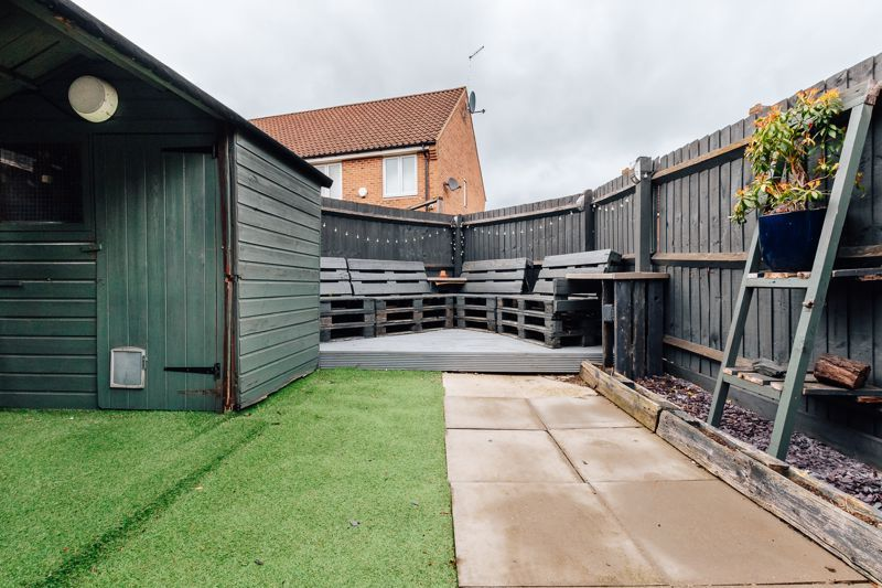 4 bed house for sale in Violet Way  - Property Image 8