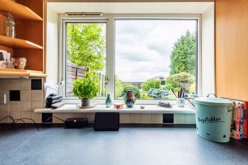 5 bed  for sale in Wisbech Road  - Property Image 2