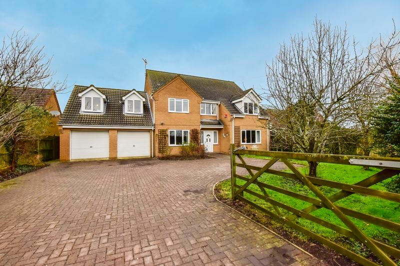 5 bed house for sale in Holme Road  - Property Image 2