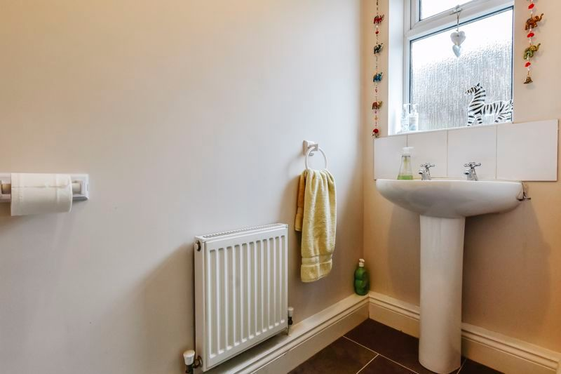 5 bed house for sale in Holme Road 15
