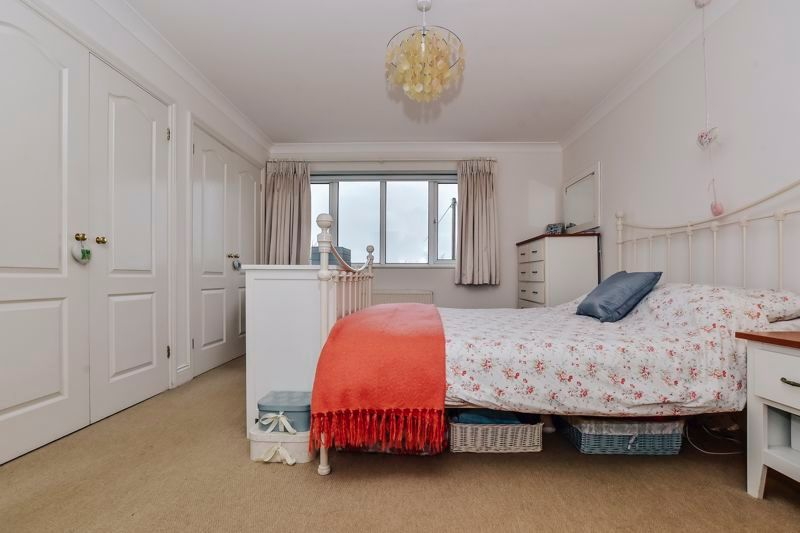 5 bed house for sale in Holme Road 17
