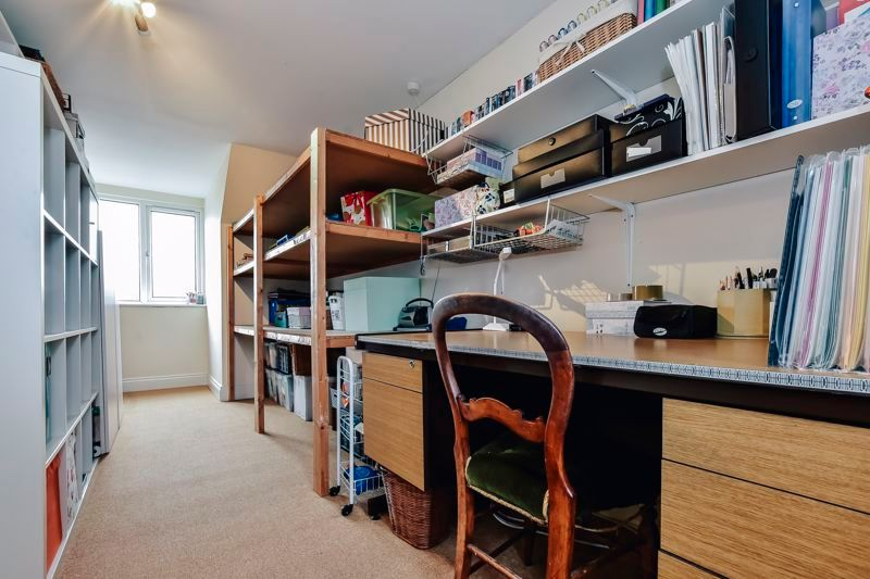 5 bed house for sale in Holme Road 22