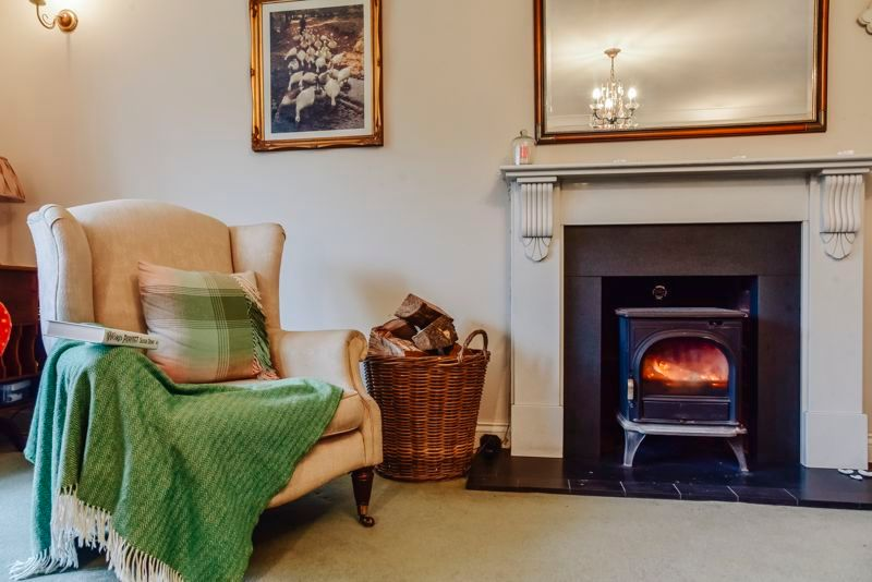 5 bed house for sale in Holme Road  - Property Image 5