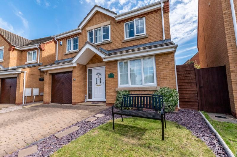 4 bed house for sale in Holly Walk, PE7