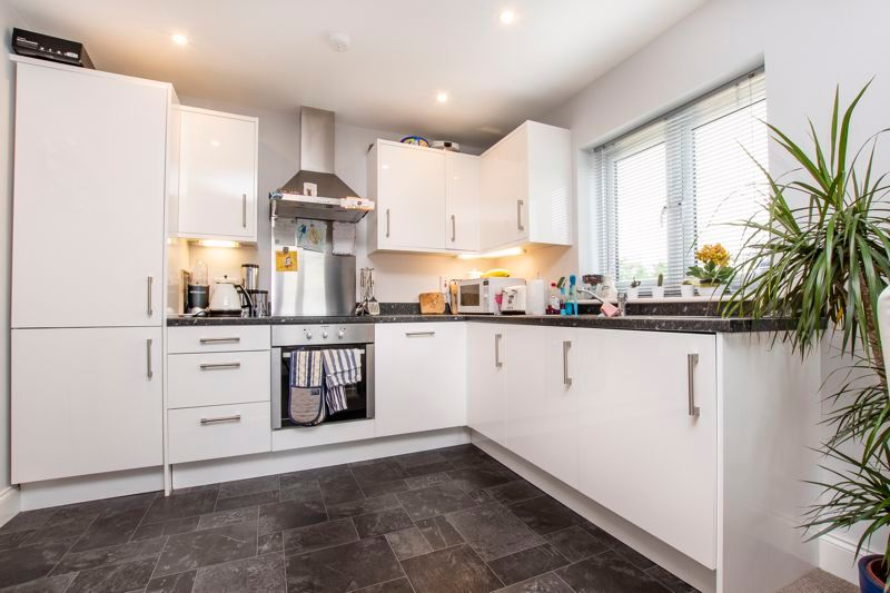 2 bed flat to rent in Eye Road  - Property Image 2
