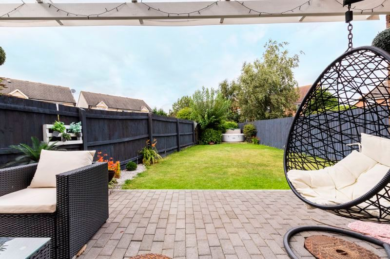 5 bed house for sale in Hargate Way, PE7