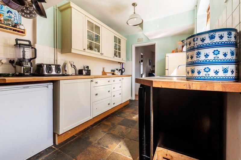 3 bed house for sale in Mina Close, PE2