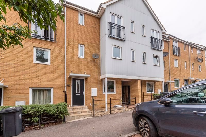 3 bed house for sale in Lakeview Way  - Property Image 3
