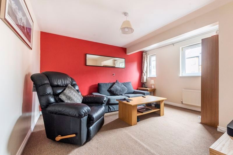 3 bed house for sale in Lakeview Way 6