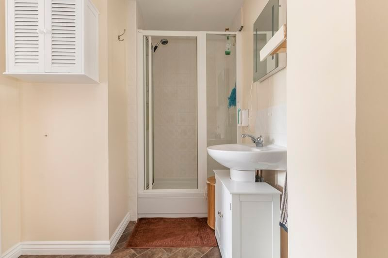 3 bed house for sale in Lakeview Way 9