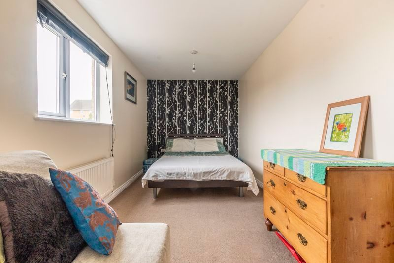 3 bed house for sale in Lakeview Way 10