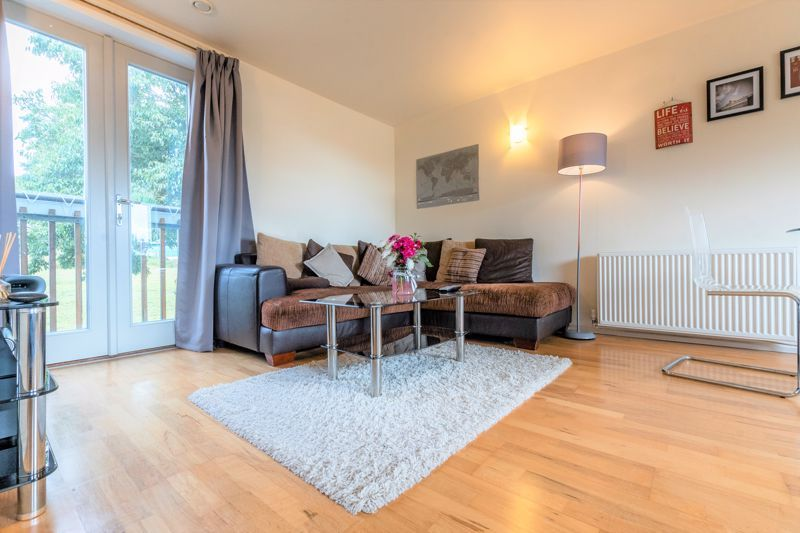 2 bed flat for sale in Silver Hill  - Property Image 2
