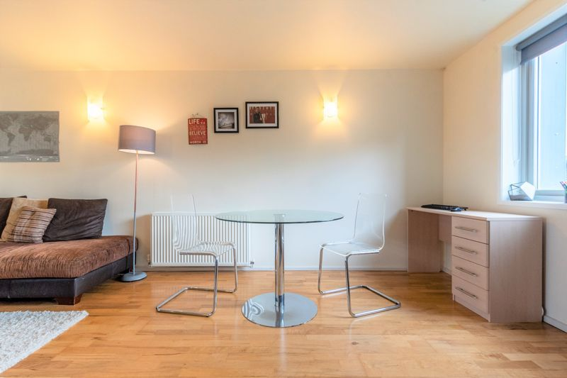 2 bed flat for sale in Silver Hill  - Property Image 5