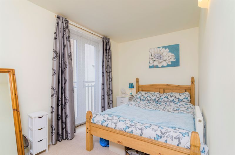 2 bed flat for sale in Silver Hill  - Property Image 7