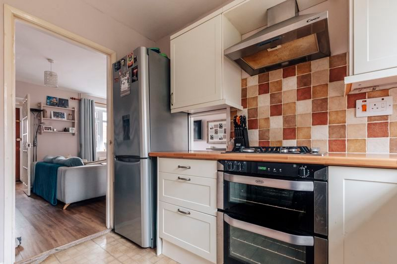 3 bed house for sale in Langford Road 16