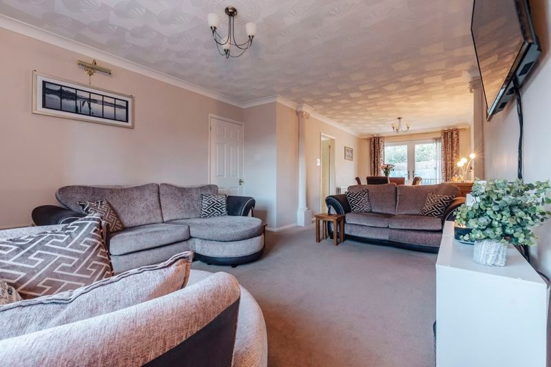 4 bed house for sale in Partridge Close 6