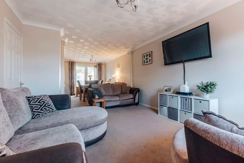 4 bed house for sale in Partridge Close 8