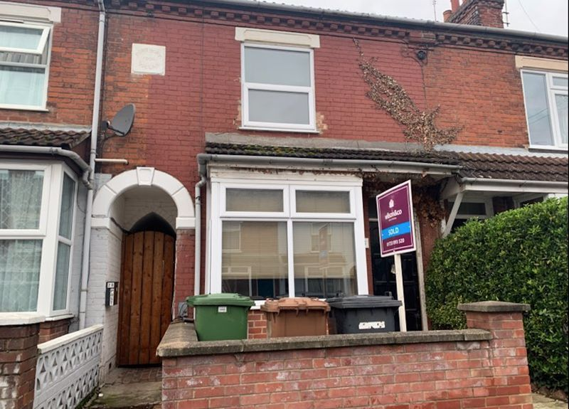 3 bed house for sale in Milton Road 2