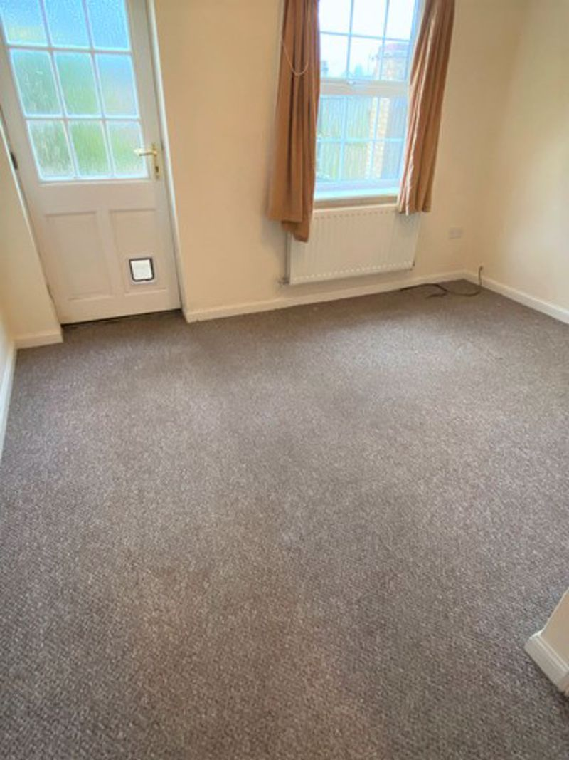 to rent in Lakeview Way  - Property Image 4