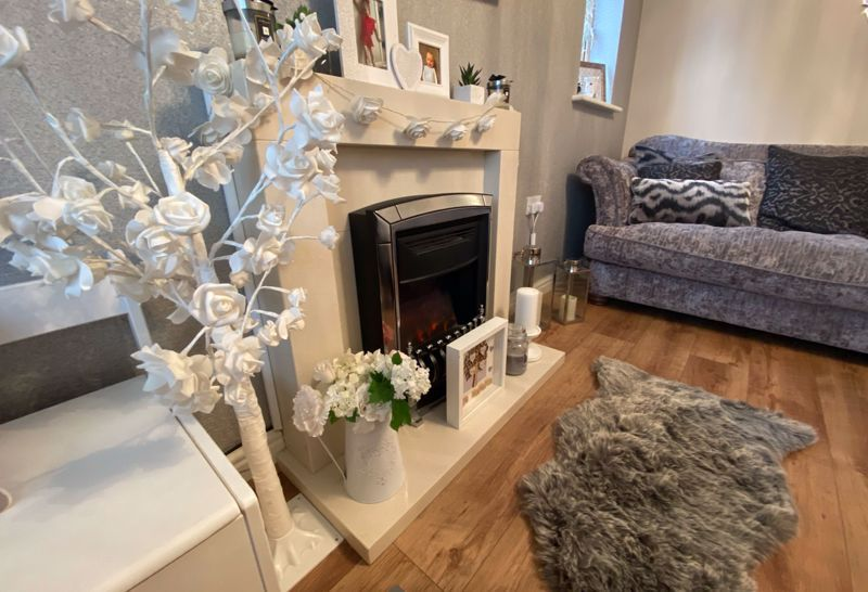 3 bed  for sale in Sandleford Drive  - Property Image 2