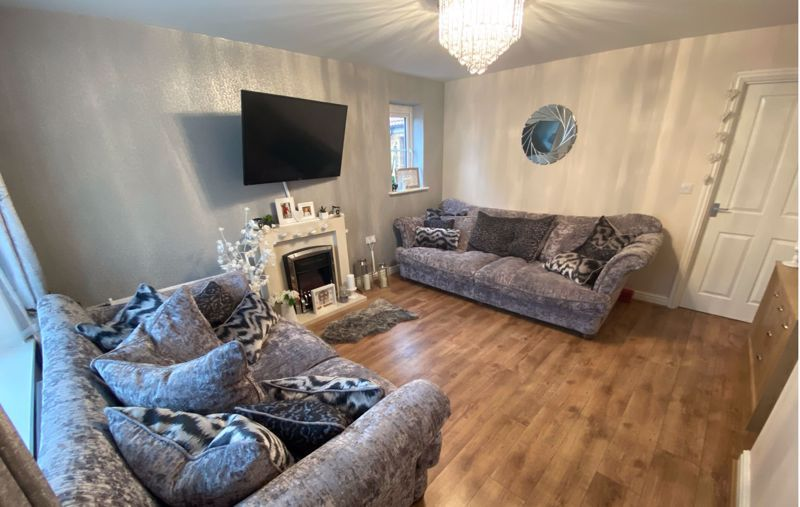 3 bed  for sale in Sandleford Drive 7