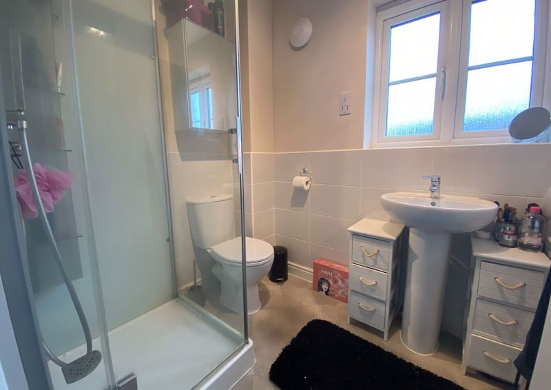3 bed  for sale in Sandleford Drive  - Property Image 9
