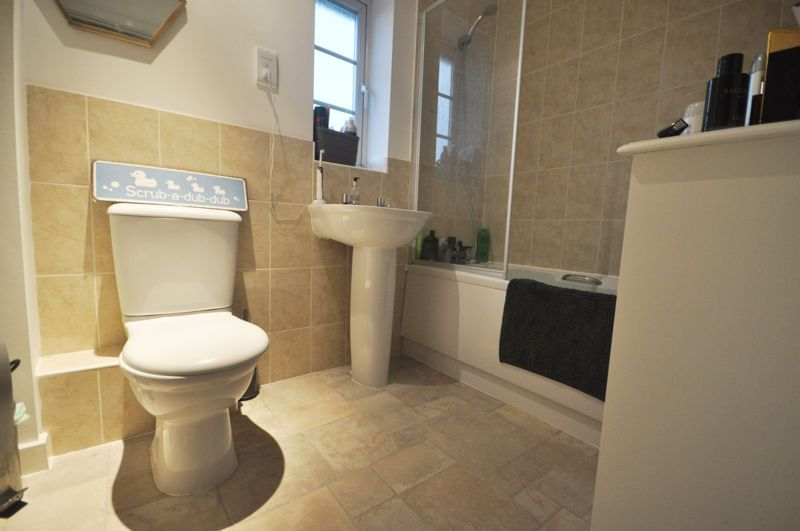 4 bed house for sale in New Lakeside  - Property Image 7