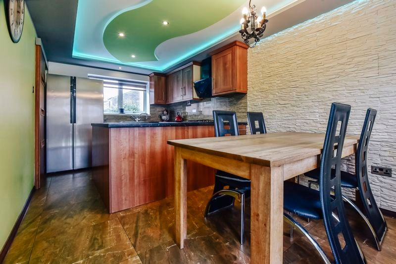 4 bed house for sale in Barnstock, PE3