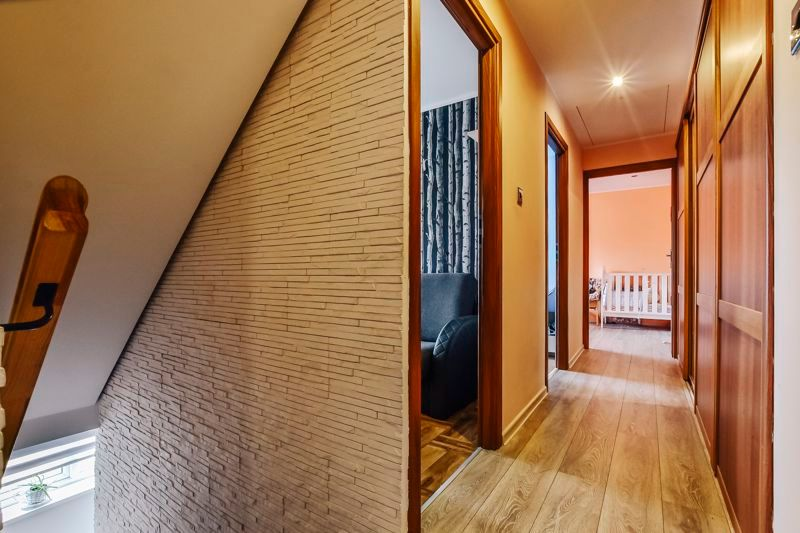 4 bed house for sale in Barnstock  - Property Image 11