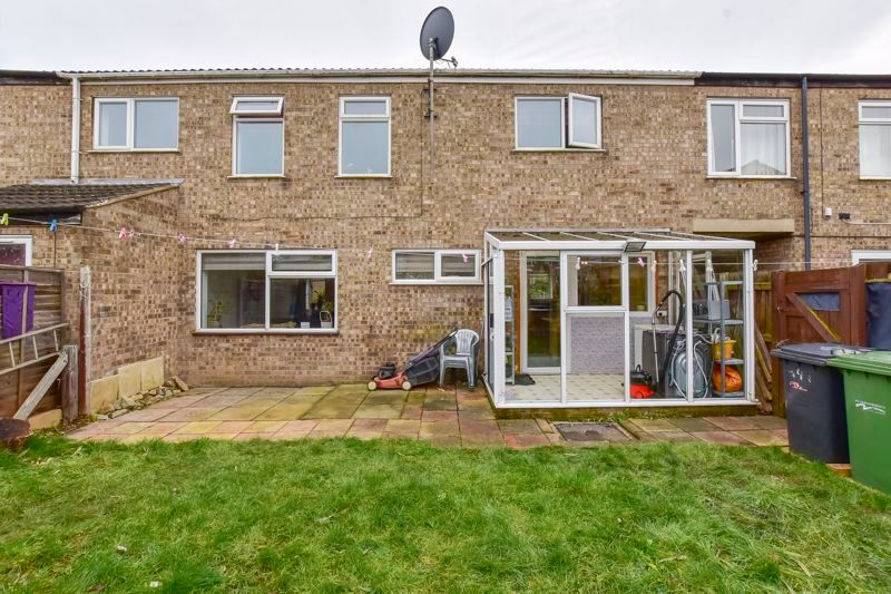 4 bed house for sale in Barnstock 18