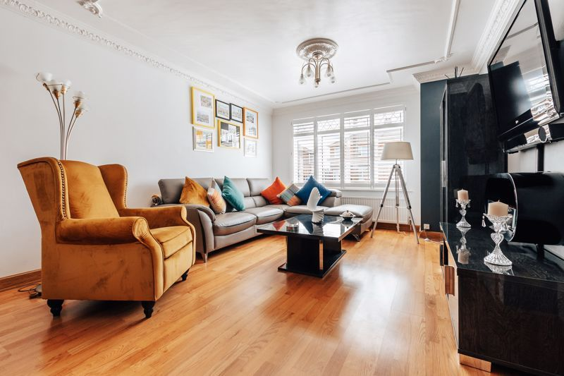 3 bed house for sale in Rayner Avenue  - Property Image 6