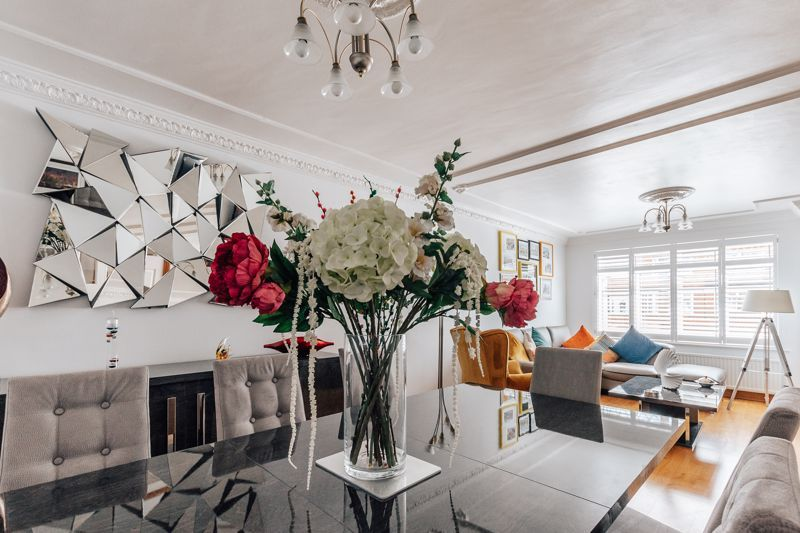 3 bed house for sale in Rayner Avenue 7