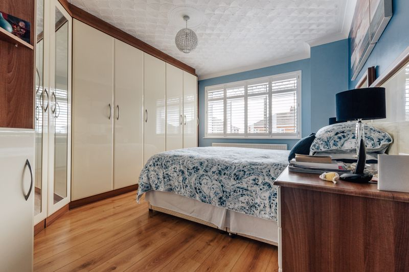 3 bed house for sale in Rayner Avenue  - Property Image 9