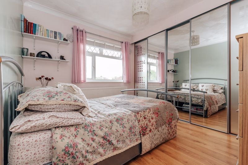 3 bed house for sale in Rayner Avenue  - Property Image 10