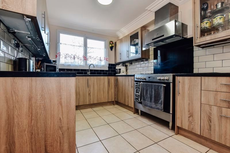 3 bed house for sale in Tirrington, PE3