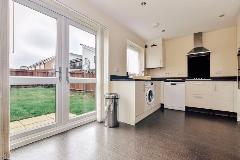 3 bed house for sale in James Avenue 2