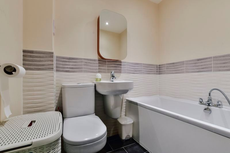 3 bed house for sale in James Avenue 13
